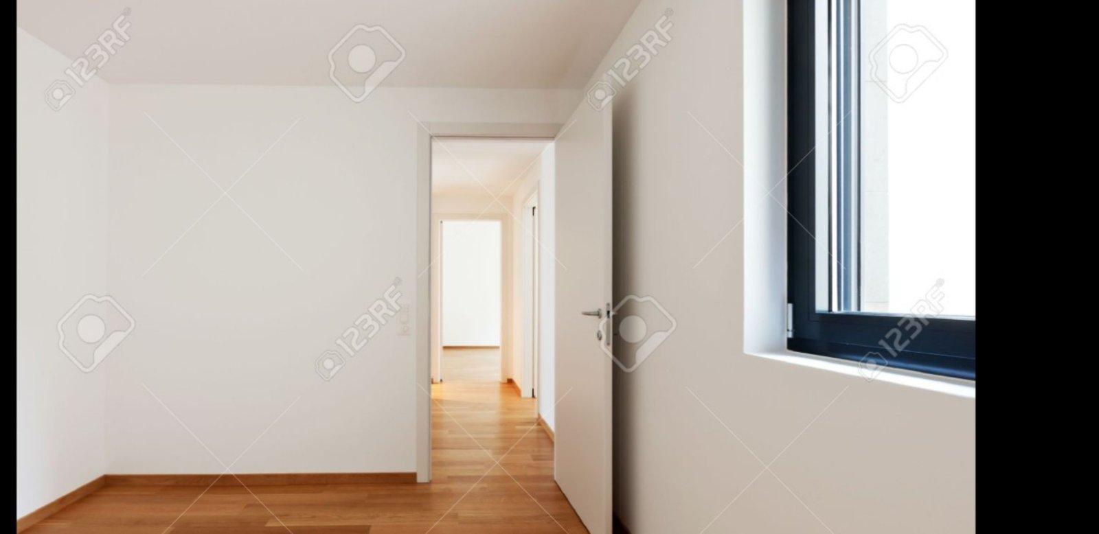 Na prodaju četvorosoban stan u Inđiji, strog centar!