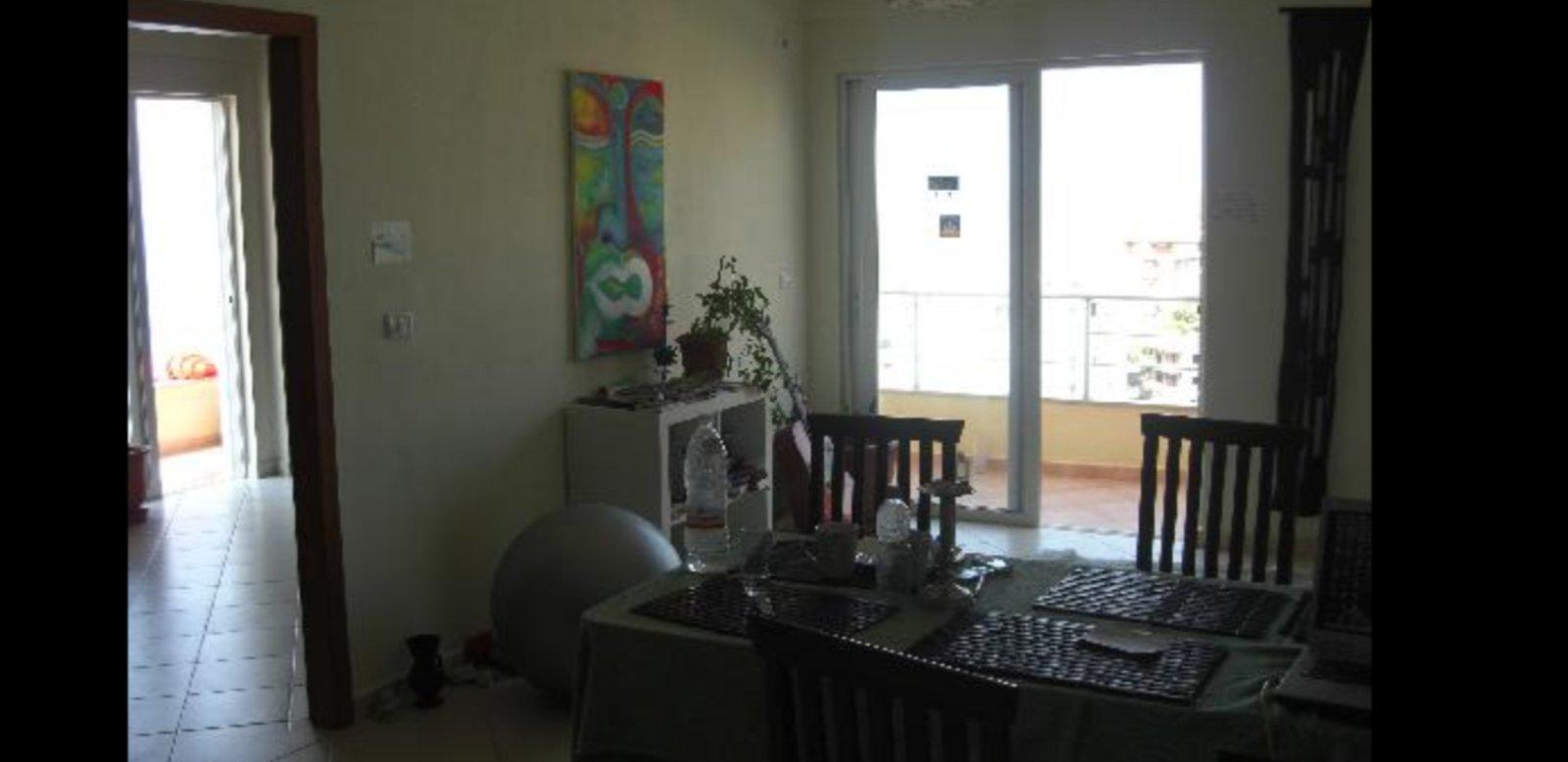 Na prodaju dvoiposoban stan u Indjiji Strog Centar!